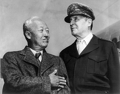 Syngman Rhee_Douglas MacArthur