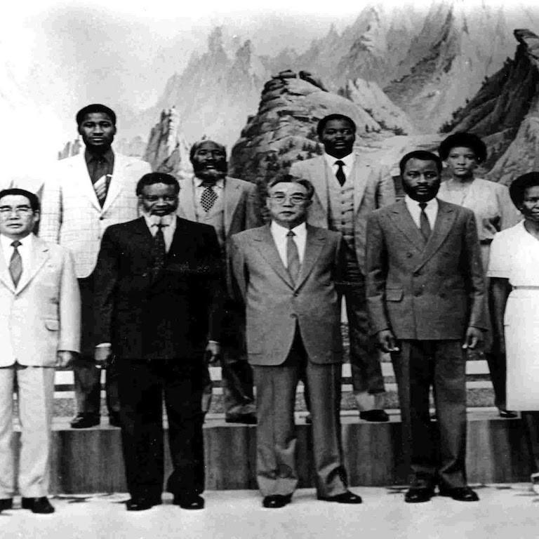 Oltrefrontiera_Kim_Il_Sung_Africa