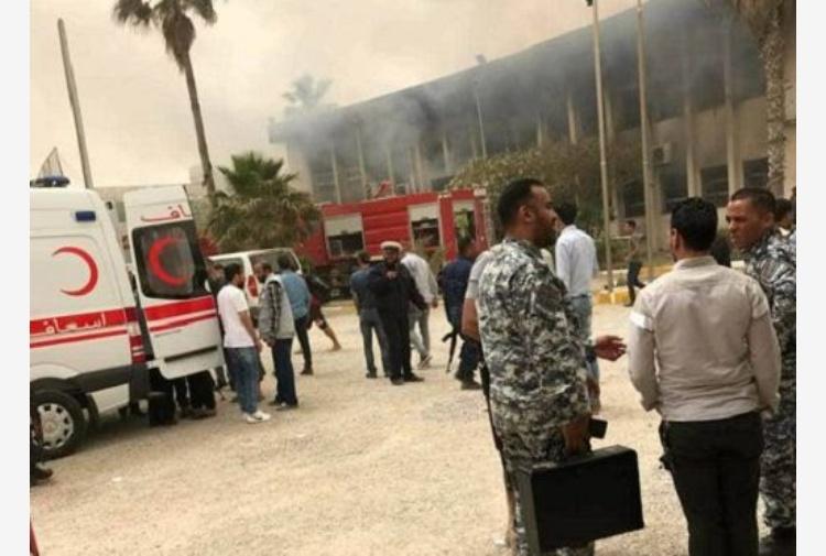 Libia, attentato a commissione elettorale di Tripoli: 10 morti.