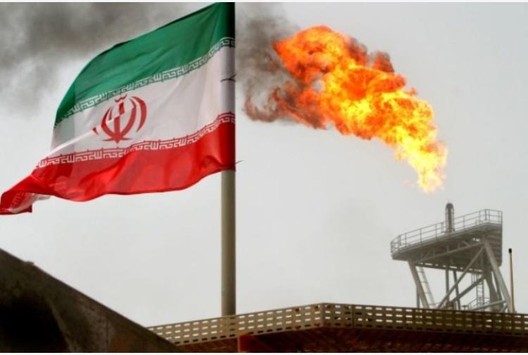 Una goccia di petrolio è una goccia di sangue. Quanto vale la guerra all'Iran