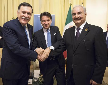 """Soluzioni alla crisi libica: serve un compromesso costituzionale """"alla tunisina"""""""