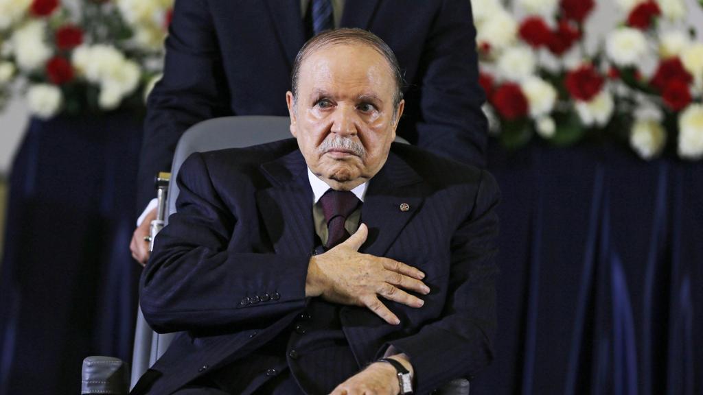 Algeria, Bouteflika rinuncia alla candidatura: presidenziali rinviate