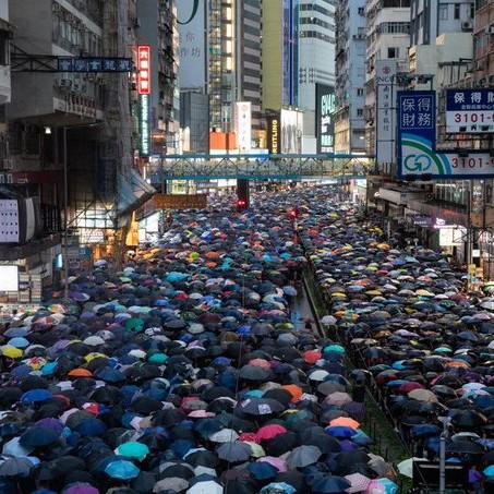 La lunga estate calda di Hong Kong