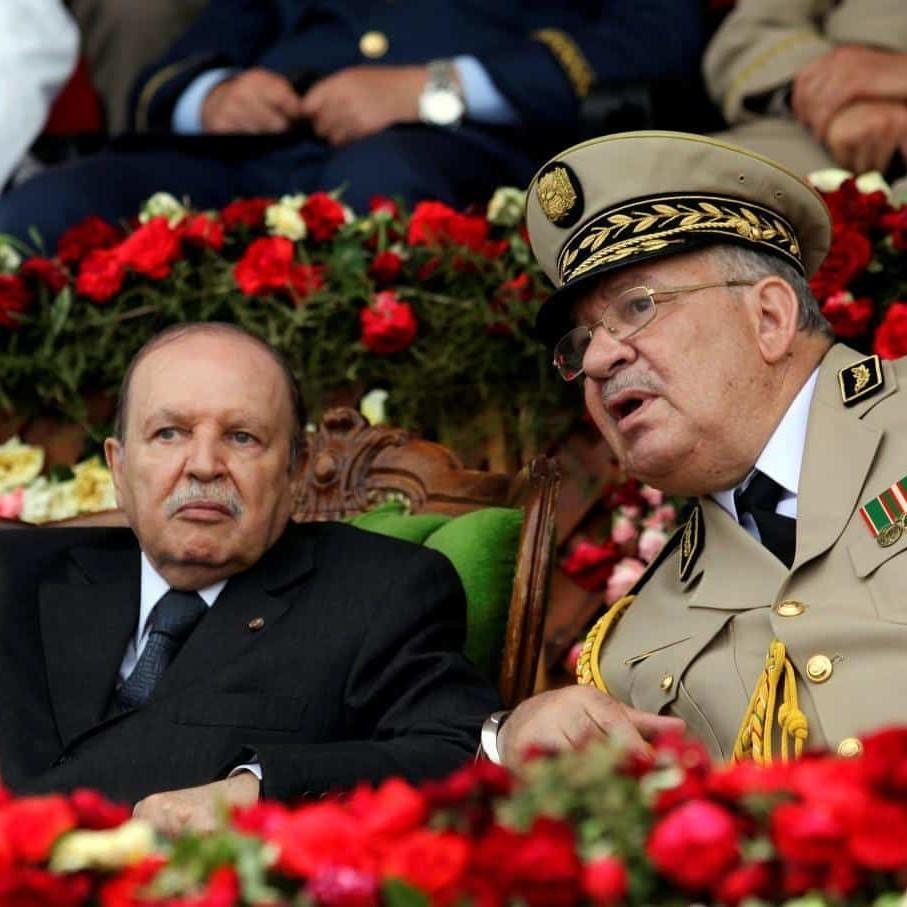 Algeria, occhi puntati sull'esercito