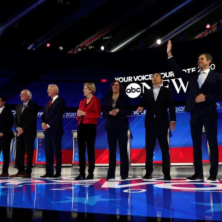 Usa, dibattito show: 10 democratici per fermare Trump