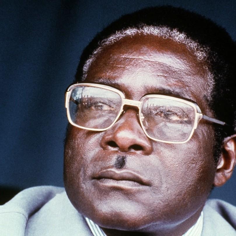Mugabe è morto e lo Zimbabwe non ha niente da mettersi