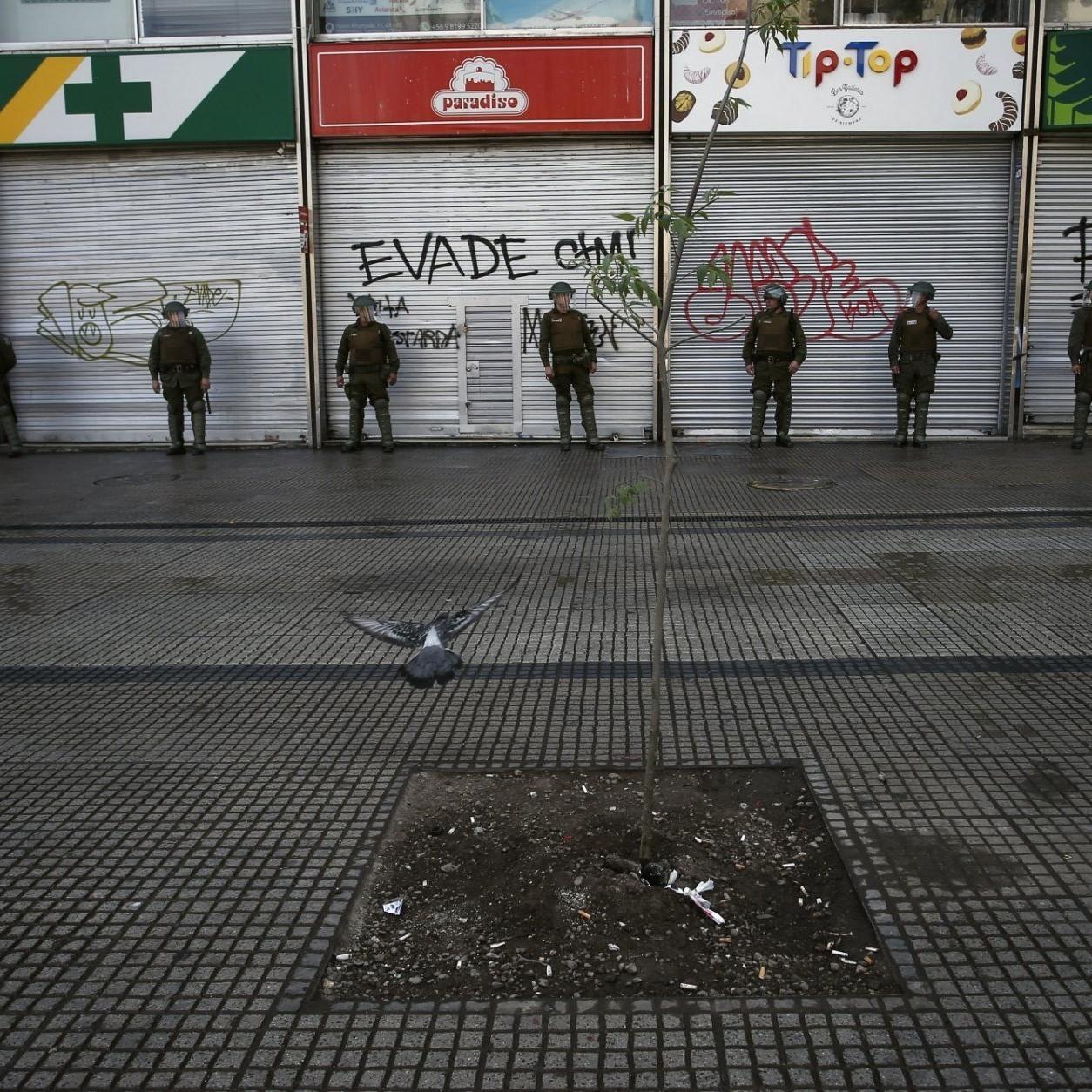 Cile, dopo 32 anni torna il coprifuoco