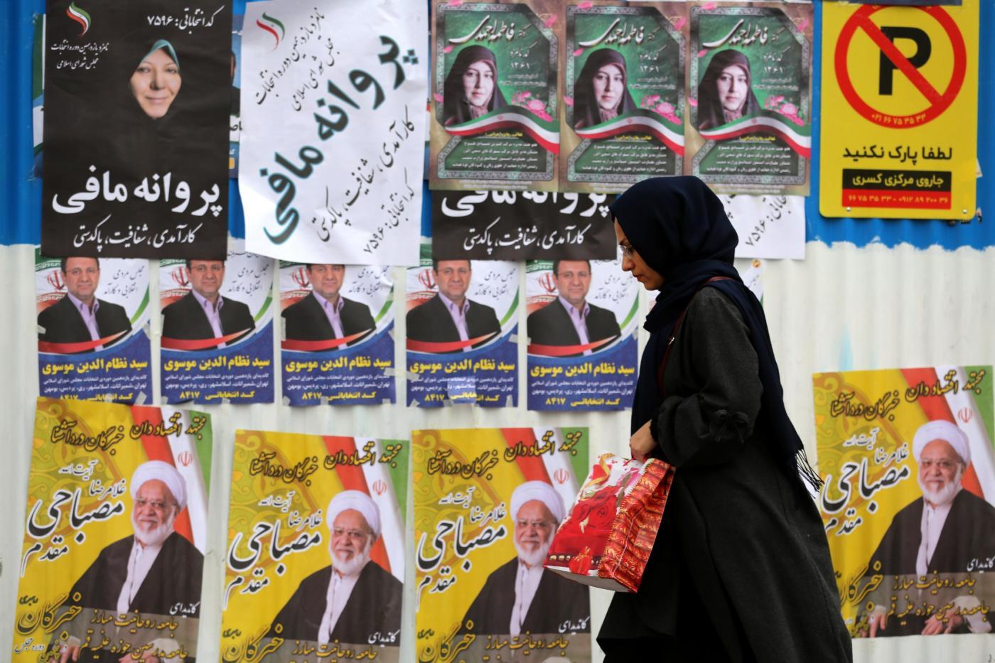 Il voto in Iran con la metà dei candidati falcidiata