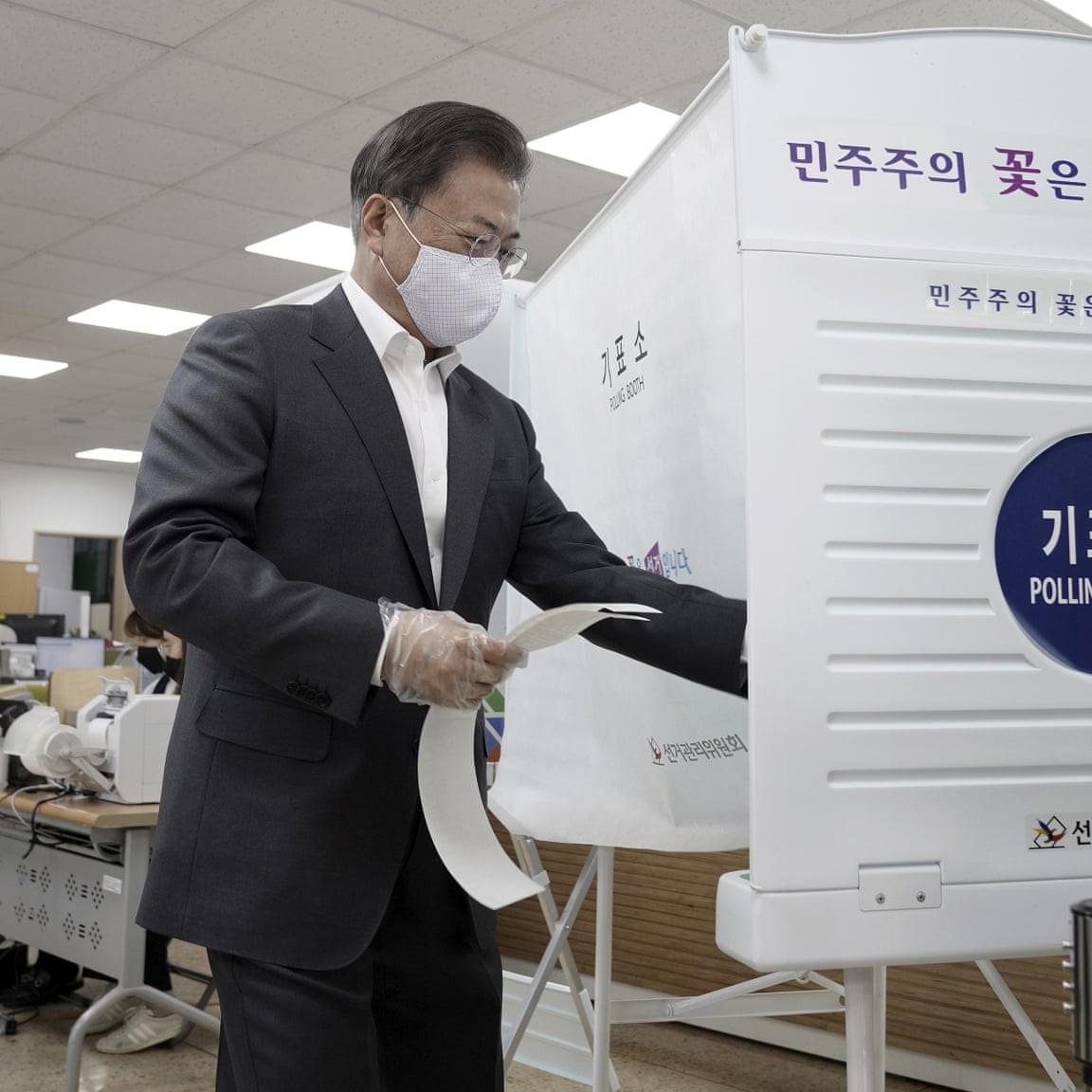 La Corea del Sud al voto con le disposizioni anti-contagio