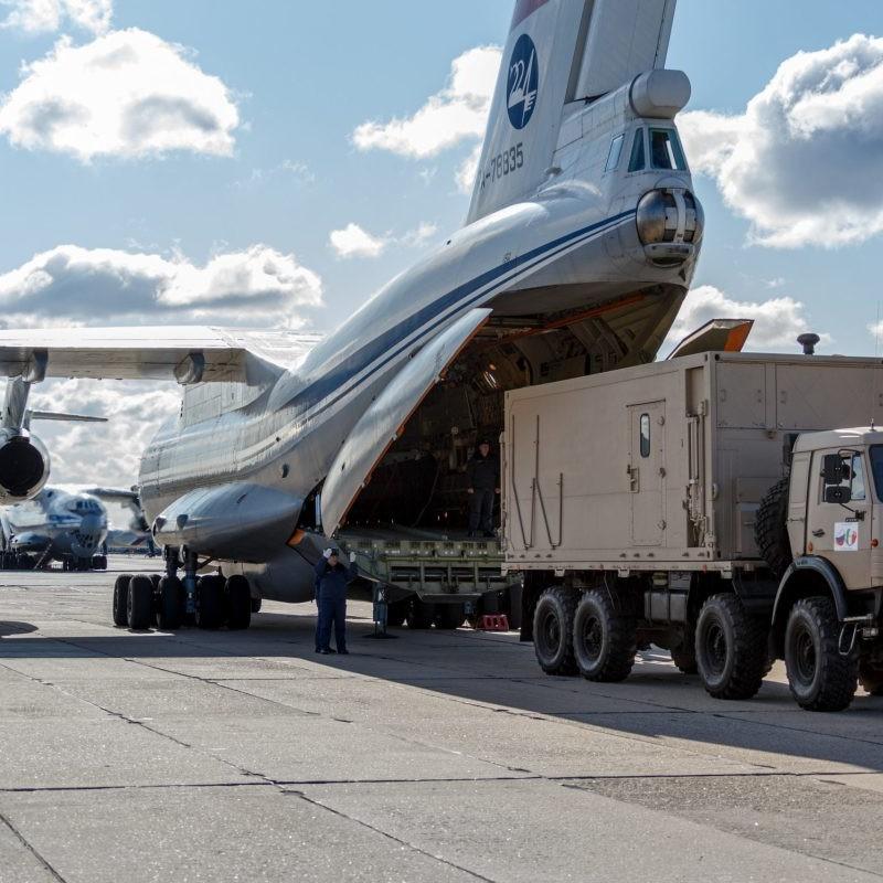 Coronavirus, il rimpatrio dei militari russi arrivati in Italia