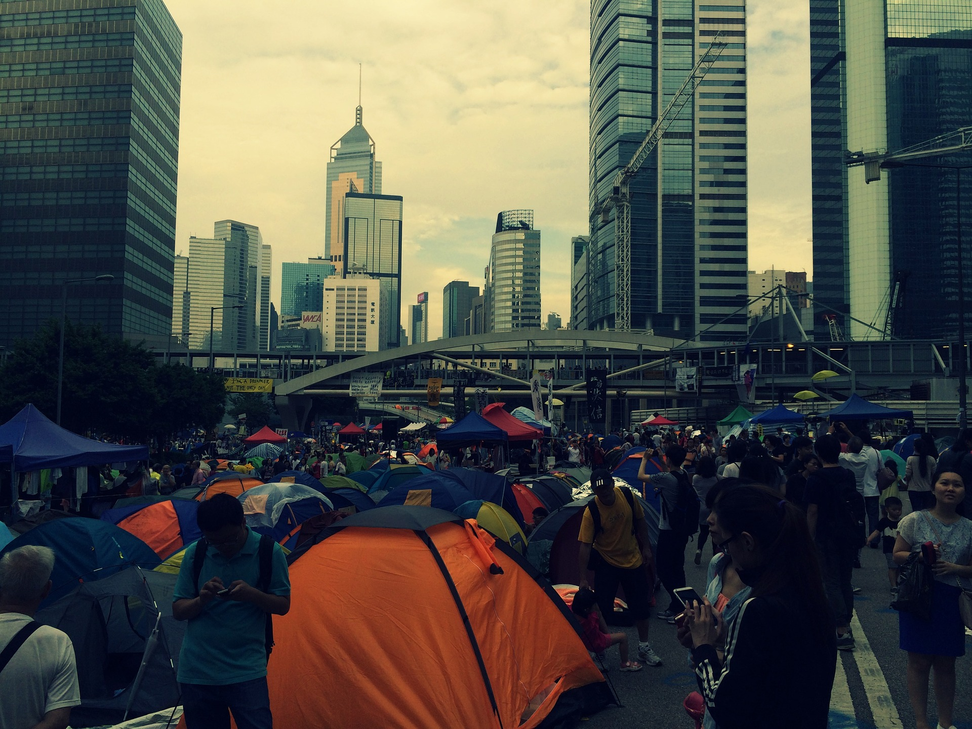 Hong Kong, ancora proteste e 230 arresti