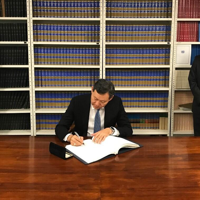 Il Kazakistan abolisce la pena di morte