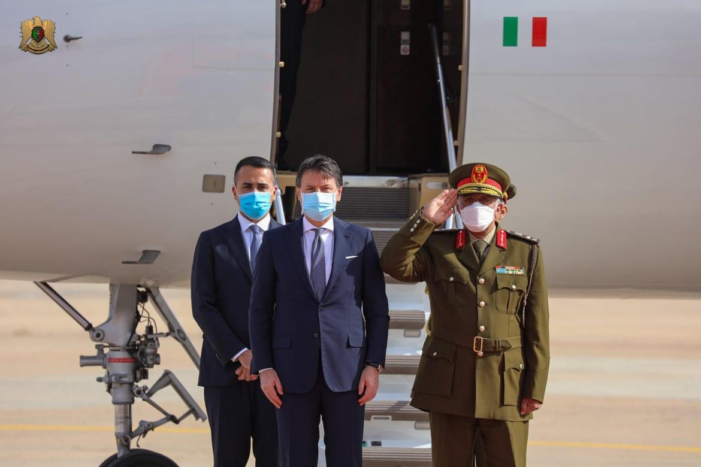 La passerella infelice di Conte con Haftar ci costerà caro