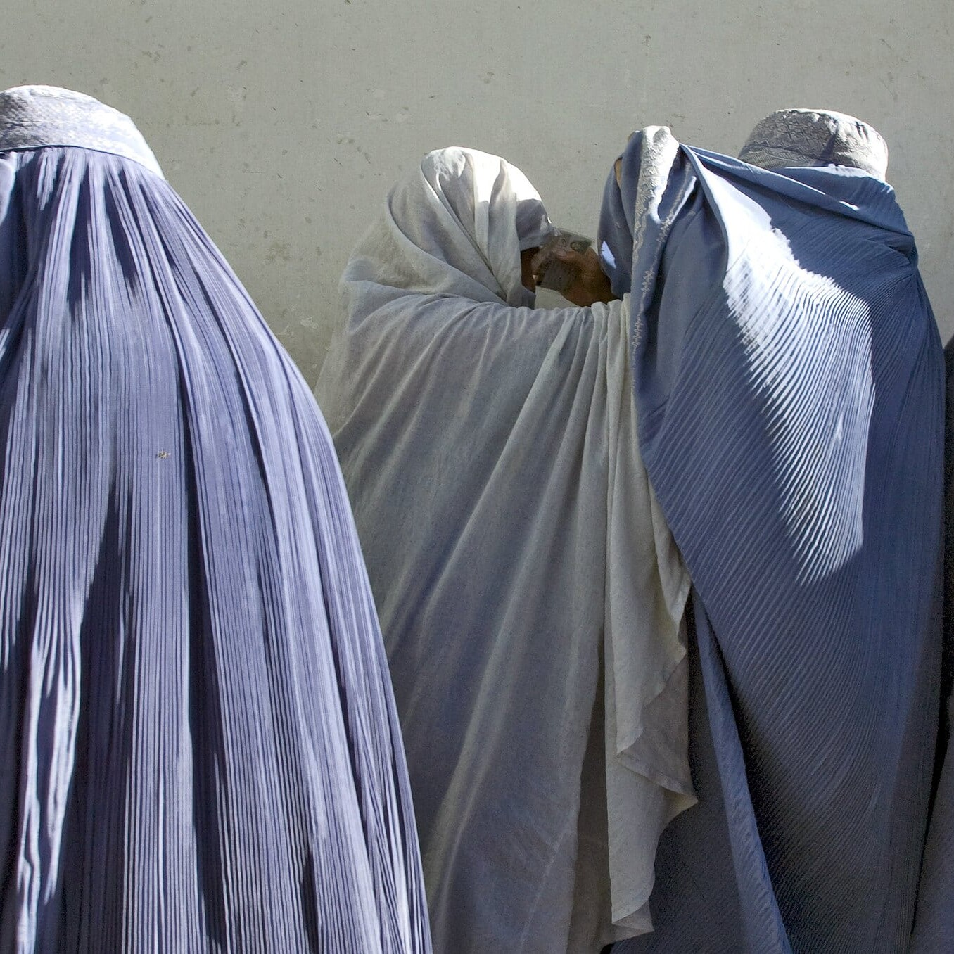 Lasciare l'Afghanistan ai talebani